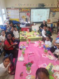 Kindergarten Muffins with Moms